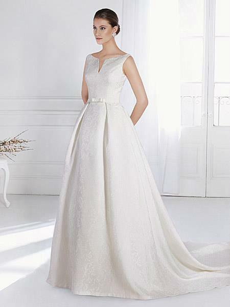 Beispiel: Wunderschöne Brautkleider, Foto: Liluca St. Gallen.