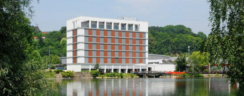 Beispiel: Vorderansicht See, Foto: Lago Hotel & Restaurant.