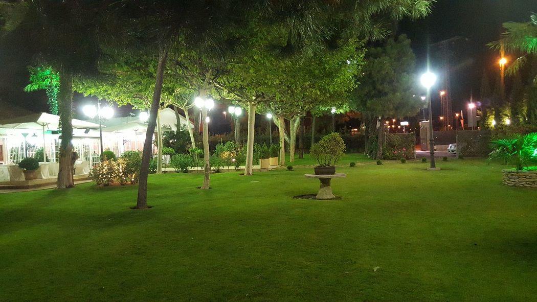 El jard n del mesonero bodas for Bodas de noche en jardin