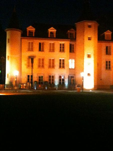 Le Château la nuit