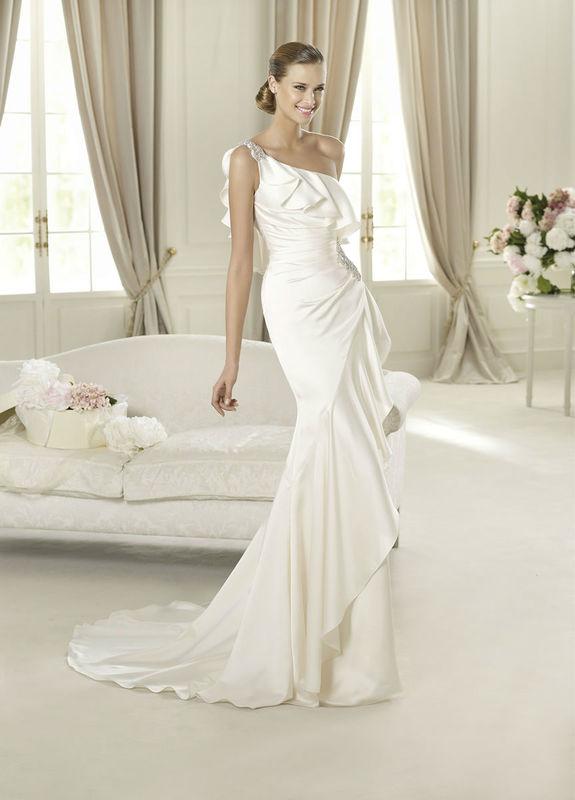 Beispiel: Einzigartige Kleider, Foto: Brautparadies Thun.