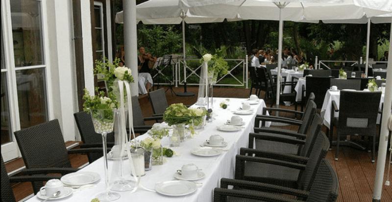 Beispiel: Hochzeitsgedeck, Foto: Seelodge Kremmen.