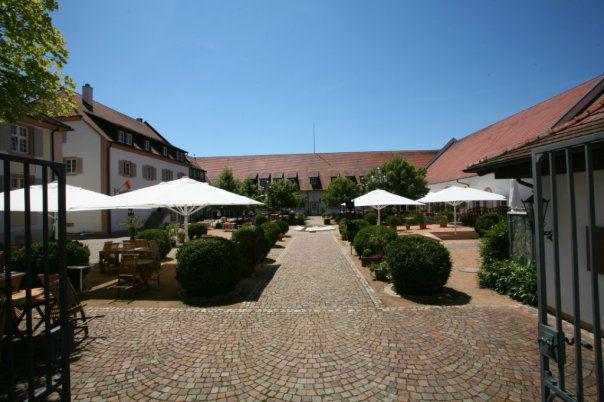 Beispiel: Terrasse, Foto: Schloss Reinach.