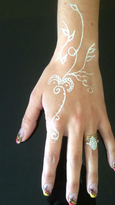 Nail art marbré/tatouage bijoux