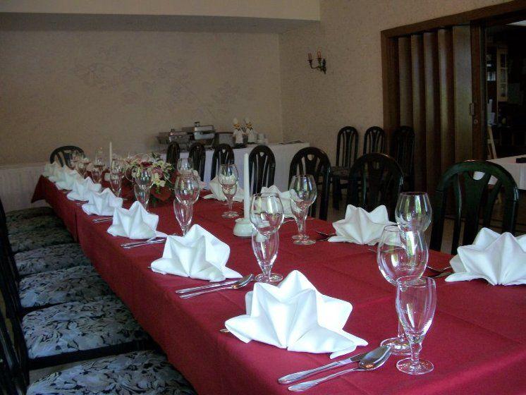 Beispiel: Hochzeitstafel, Foto: Restaurant Liebesquelle.