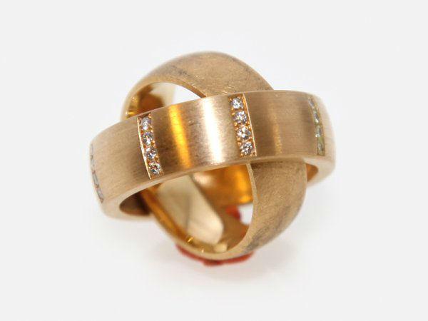 Beispiel: Bewegliche Ringe, Foto: Meyer Schmuck Design.