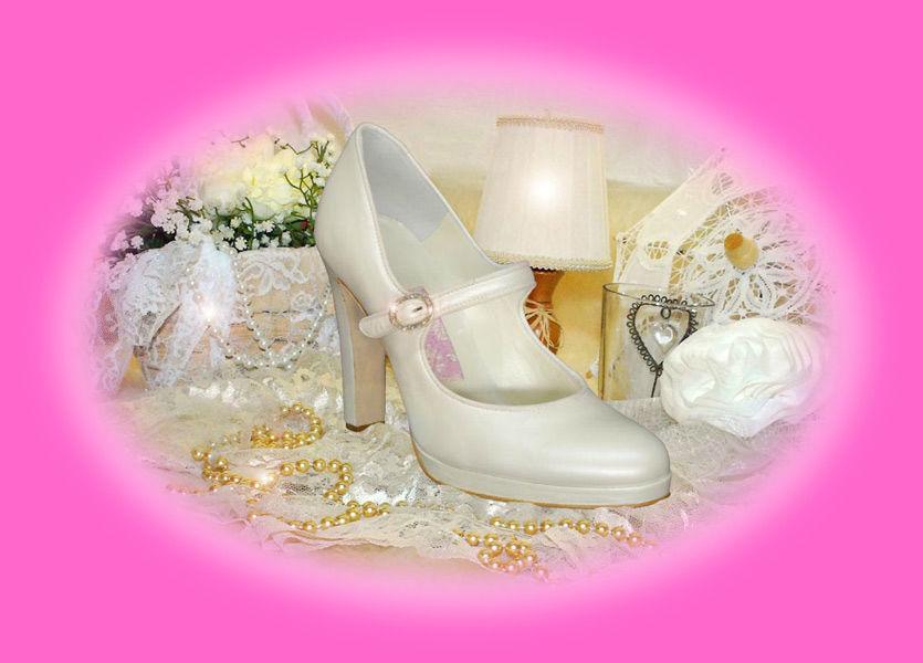 Scarpa chiusa sposa.