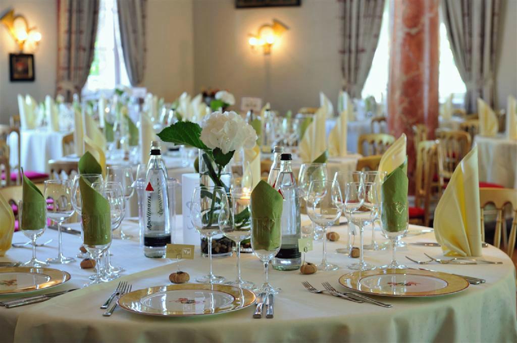 Beispiel: Hochzeitsbankett, Foto: Romantik Hotel Linslerhof.