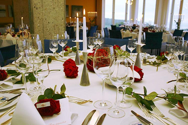 Beispiel: Tischdekoration zur Hochzeit, Foto: Hotel Heiden.