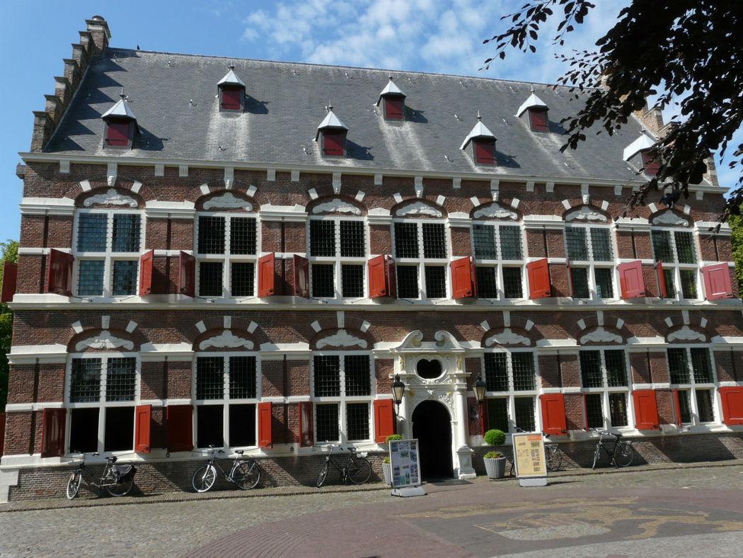Voorkant Mauritshuis te Willemstad
