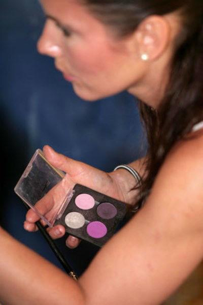 Beispiel: Die Künstlerin bei der Arbeit, Foto: Beauty4me.