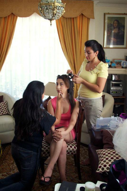 Preparando a nuestra novia. Maquillaje y peinado por nosotras, Marion y Mane de So Beautiful Makeup