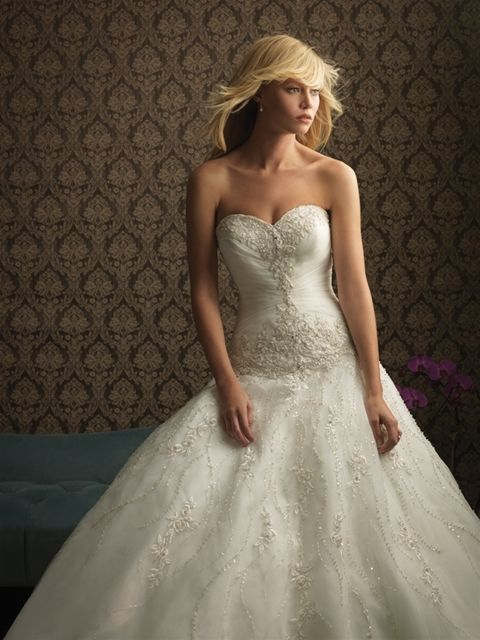 Marca: Allure Bridals. Modelo:8769.