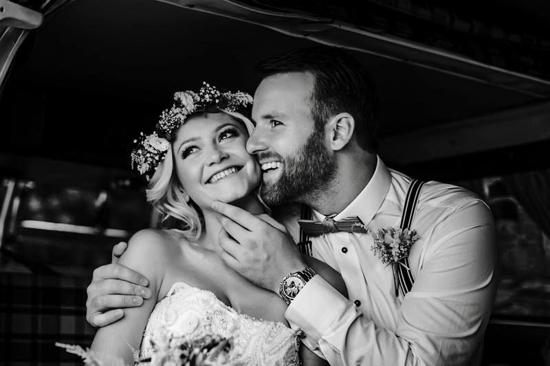 Unsere Holzfliege Stelio erzeugt ein Zauber auf jeder romantischen Hochzeit im Vintage-Stil
