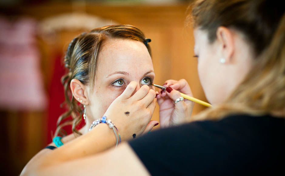 Beispiel: Fotos von den Vorbereitungen, Foto: Simon Lütolf Photography.
