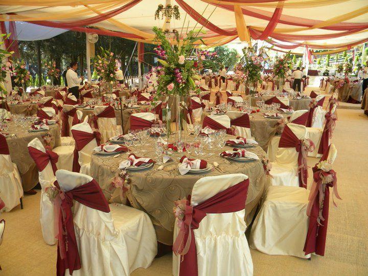 Montaje de mesas para tu boda - Foto El refugio del águila