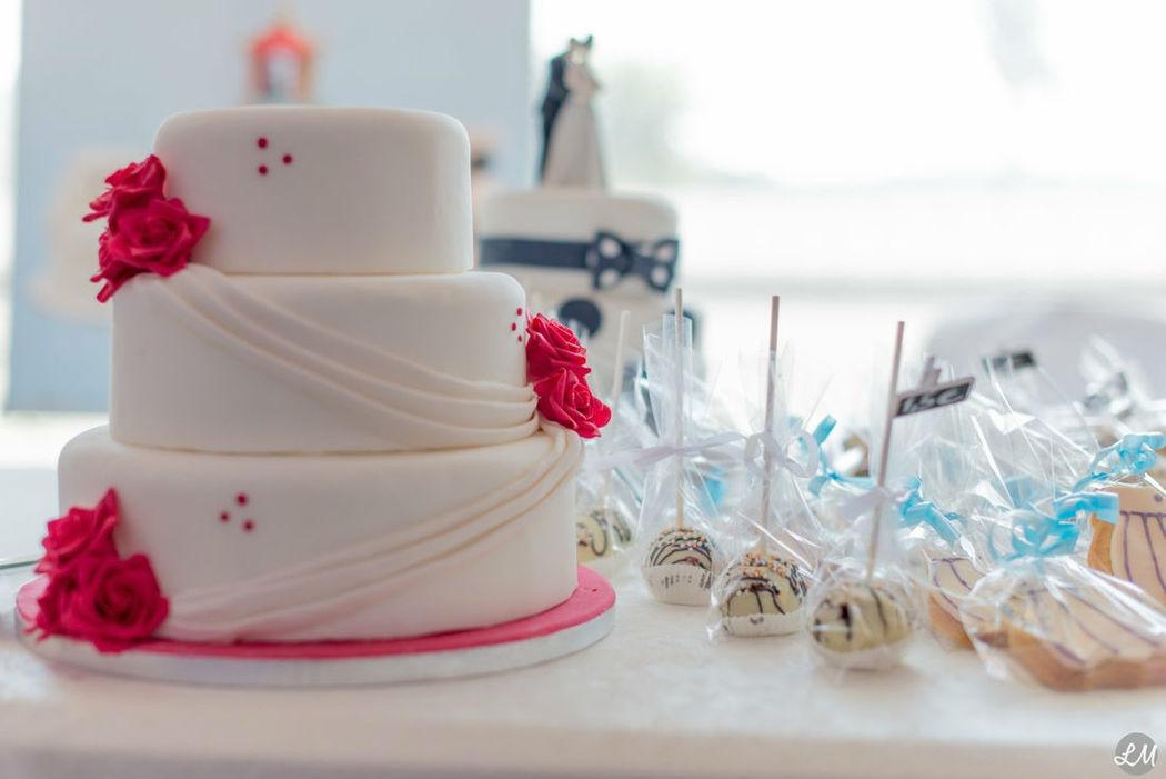 Nans Bakery - Wedding cake, cakepops & cookies