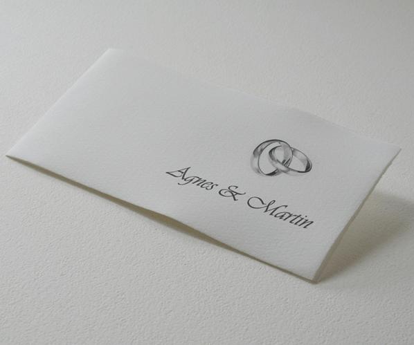 Beispiel: Hochzeitseinladung mit aufgedruckten Eheringen, Foto: Hobl + Sohn.