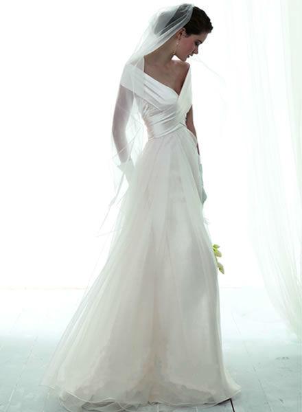 Beispiel: Brautkleider mit Maßanfertigung, Foto: Zoro Sposa.