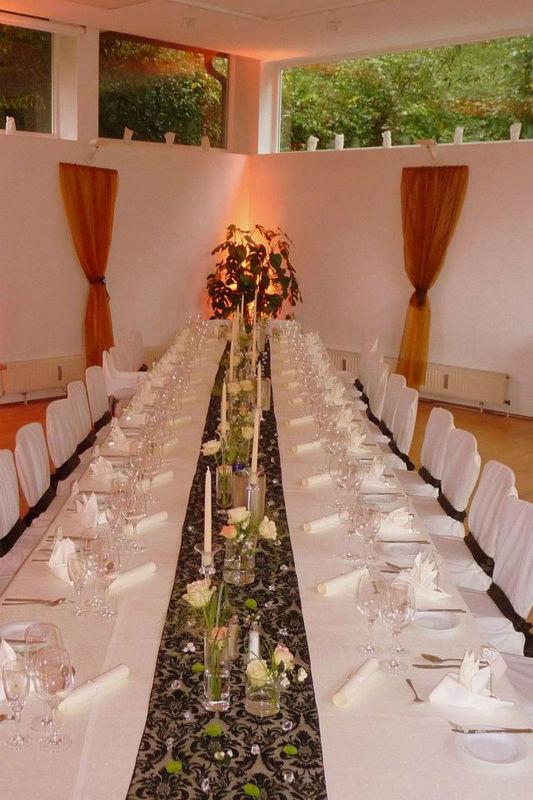 Beispiel: Großer Saal - Hochzeitstafel, Foto: Kupfersiefer Mühle.