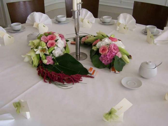 Beispiel: Tischdekoration, Foto: INSBESONDERE Floristik.