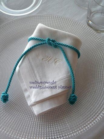 il cordoncino e il nodo marinaro:dettagli di un matrimonio nel segno del mare