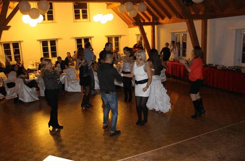 Beispiel: Tanzende Hochzeitsgäste, Foto: Swiss Event.