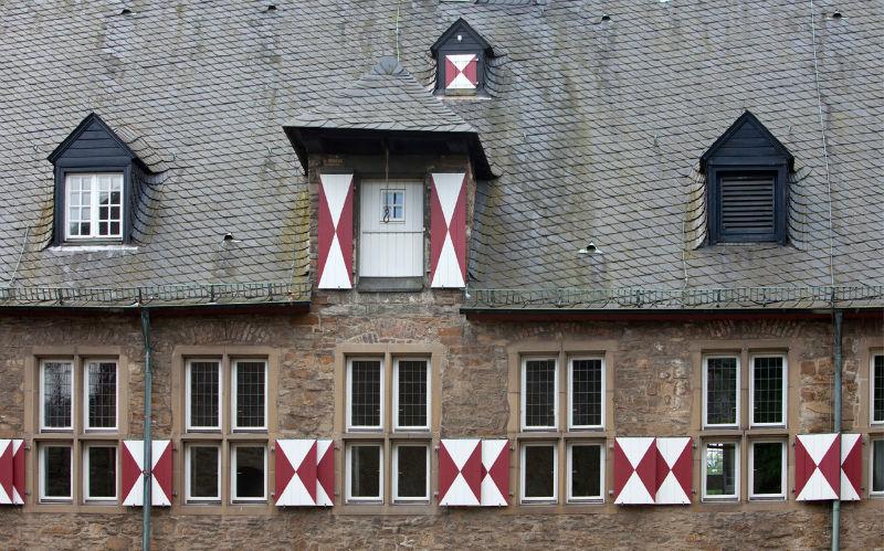 Beispiel: Fensterfront, Foto: Schloss Broich.