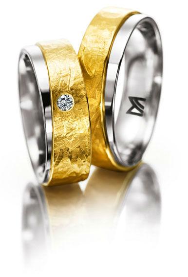 Beispiel: Mehrfarbige Eheringe, Foto: Juwelier Dallinger.