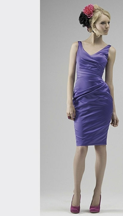 Beispiel: Kleider in verschiedenen Farben und Formen, Foto: Hänsel & Gretel Festmode.