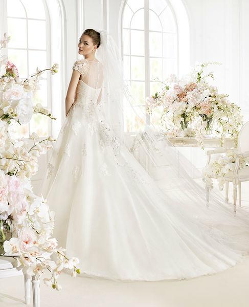 Beispiel: Finden Sie Ihr Brautkleid, Foto: Pichler Wagensonner.