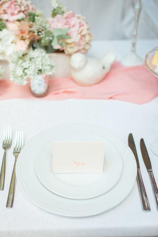 семейный ужин, свадебный декор, лампочки