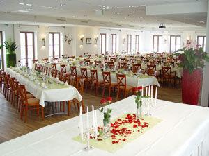 Beispiel: Hochzeitstafel, Foto: Gasthof Linde.