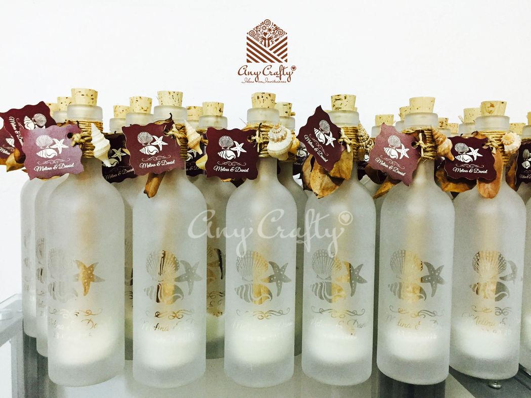 Invitaciones/recuerdo de botella de vidrio.