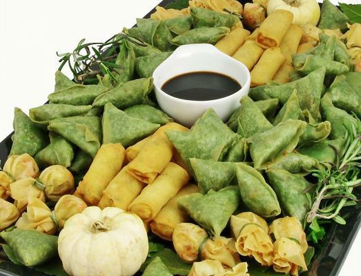 Beispiel: Vegetarische Nudeltaschen als Fingerfood, Foto: 4C Catering.