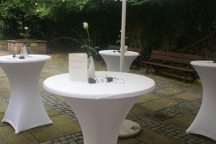 Beispiel: Verleih von Mobiliar, Foto: Adel.es Catering.