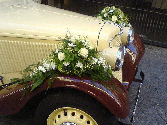 Beispiel: Autoschmuck, Foto: Blumen Piazza.