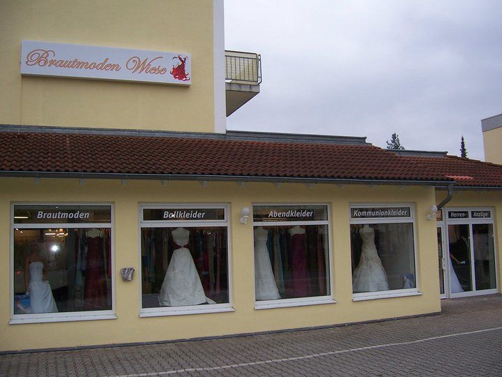 Beispiel: Ladengeschäft, Foto: Brautmoden Wiese.