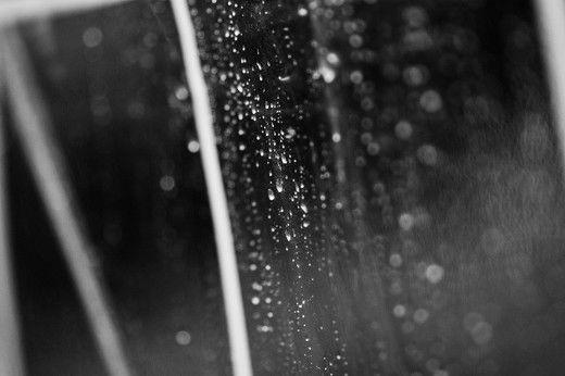 Beispiel: Trauung im Freien trotz Regen, Foto: wedDROPS.
