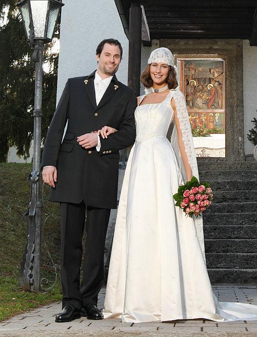 Beispiel: Ihr Dirndl zur Hochzeit, Foto: Gössl - Tracht heute.