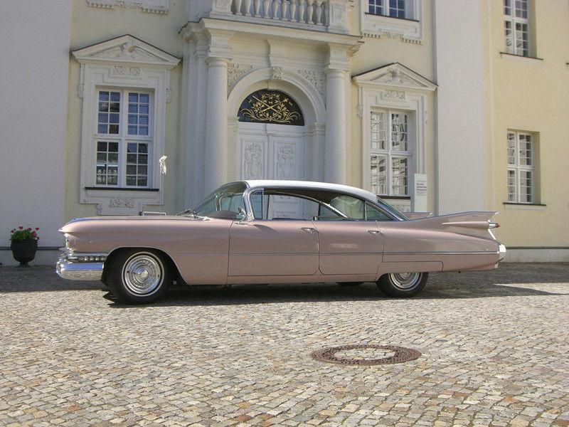 Ihr Cadillac - mit Stil zur Hochzeit Foto: Hochzeitsautos Berlin.