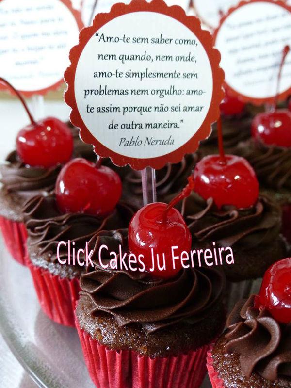 Mini cupcakes poéticos - cada lindo doce acompanhado de um lindo trecho de poesia! Inspirador!
