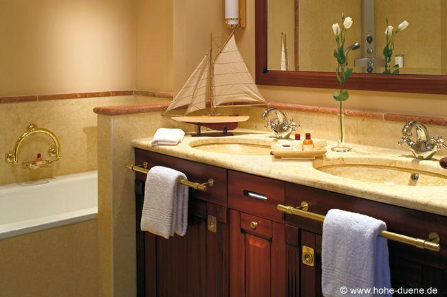 Beispiel: Hotelzimmer, Foto: www.hohe-duene.de.