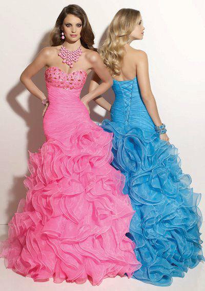 Beispiel: Finden Sie Ihr persönliches Kleid, Foto: La Passion Abendmode.