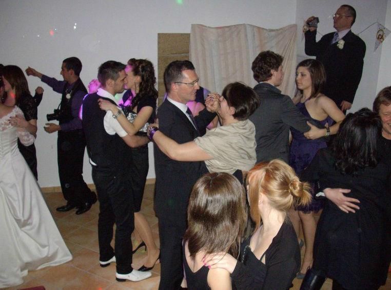 Beispiel: Musik für Ihren Hochzeitstanz, Foto: Baden Musik Xpress.