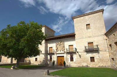 Les Belles Maisons - Palacio del Arzobispo