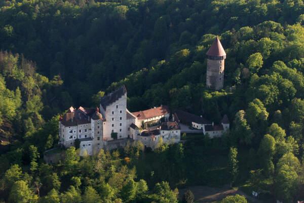 Beste Spielothek in Steinerkirchen an der Traun finden