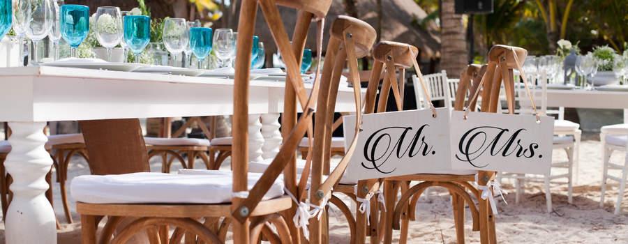 Montaje Mr&Mrs copas de colores @RivieraMaya #Utopik #WeddingPlanner