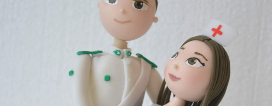 Novios Carabinero y Enfermera