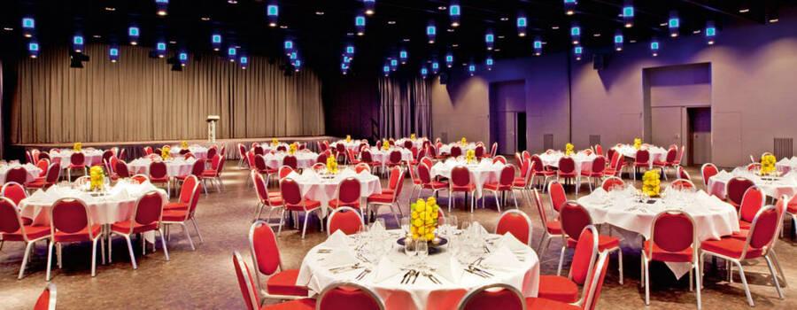 Beispiel: Tagungsraum für die Hochzeit gestaltet, Foto: Mövenpick Hotel Zürich-Regensdorf.